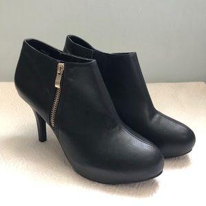 Madden Girl Black Ankle Bootie Heels Sz 7.5